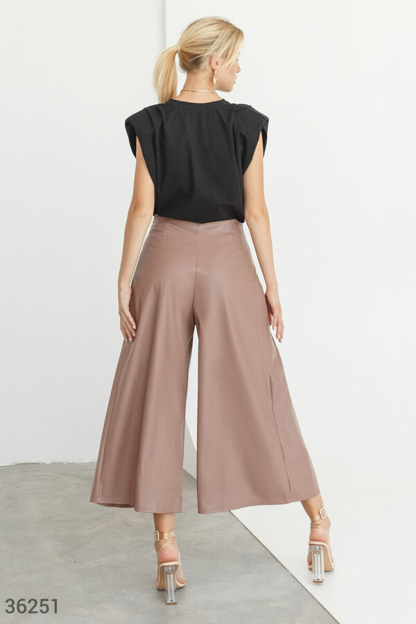 Кожаные брюки-кюлоты кофейного оттенка