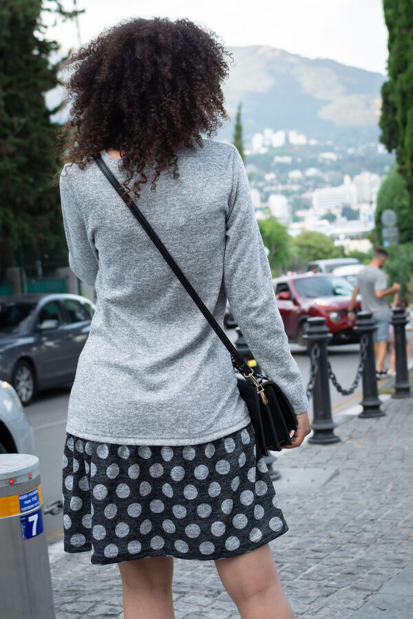 Платье Бренд Натали. Ткань: сандра  Состав: 60% п/э, 35% вискоза, 5% спандекс  Платье с воланом по низу – это удачная модель, способная разнообразить Ваш гардероб! В таком наряде женщина чувствует себ