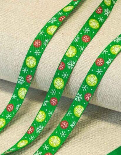 "Лента репсовая ""Шарики со снежинками на зеленом"" 16мм"