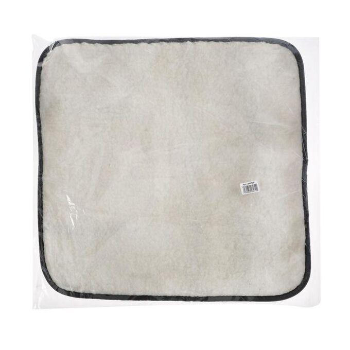 Накидка на переднее сиденье, искусственный мех, размер 48 х 48 см, белый