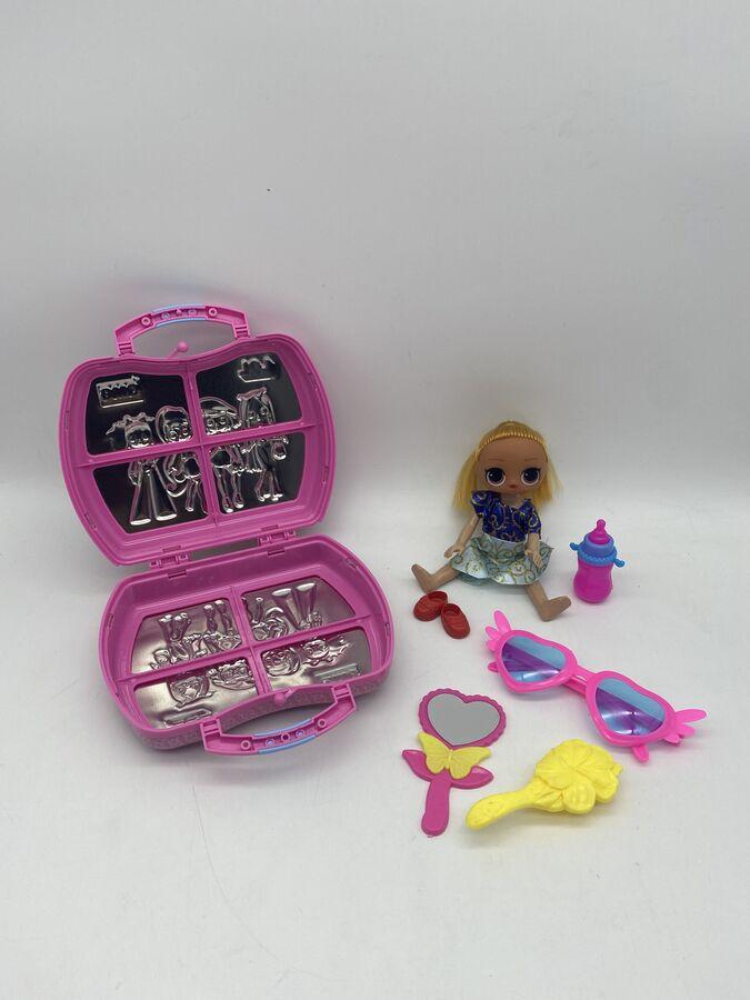Кукла в чемодане с аксессуарами в ассортименте 3+