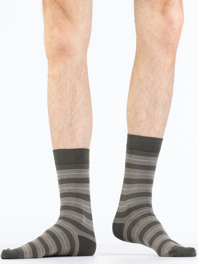 лассические гладкие эластичные всесезонные мужские носки в полоску