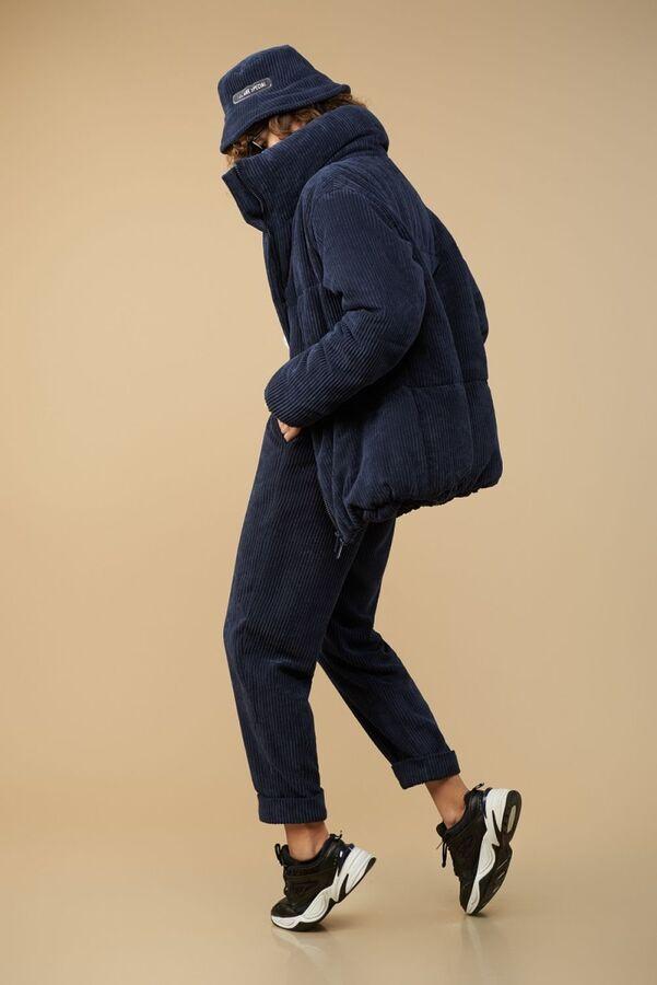 Куртка Куртка Сч@стье 7150s синий  Состав: Вискоза-26%; ПЭ-74%; Сезон: Осень-Зима Рост: 170  Куртка из вельвета в широкий рубчик на синтепоне и подкладке. Центральная застежка на молнию. Куртка свобо