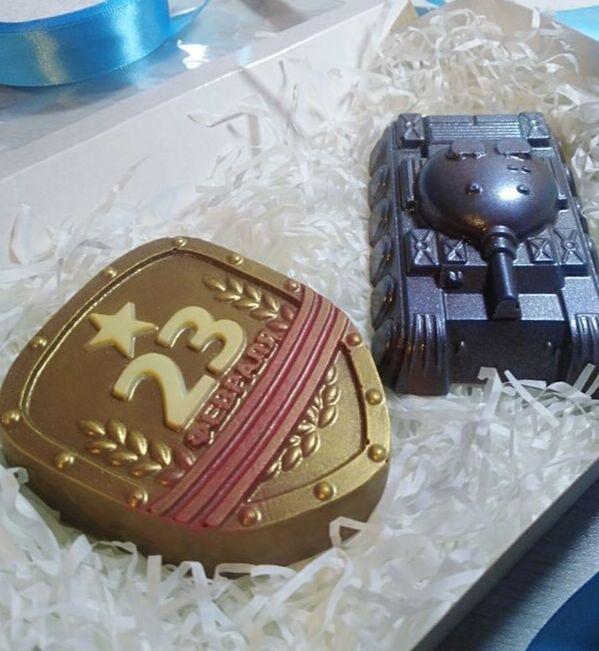 Щит и танк Вес 190+-5гр. Упаковано в коробку!