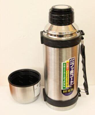 Термос Металлический термос для любителей горячих напитков собой. Колба металлическая. Объём 1800мл