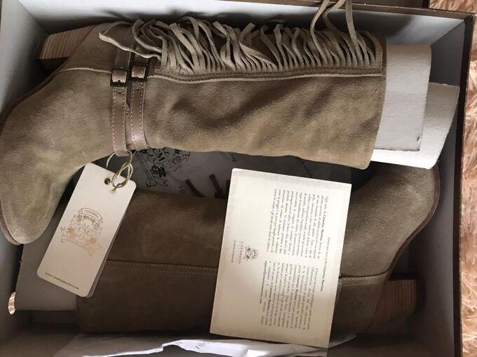 Продам шикарные сапоги  как на фото во Владивостоке