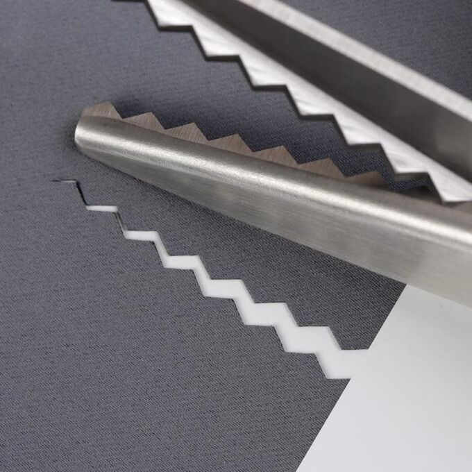 """Ножницы «Зигзаг», 9,5"""", 23,5 см, шаг - 7 мм, в коробке, цвет чёрный"""
