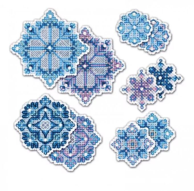 Набор для вышивания РИОЛИС 1889АС Украшение Снежинки, 9,5*9,5, 7,5*7,5, 5,5*5,5, 4,5*4,5см. 1889АС Украшение Снежинки