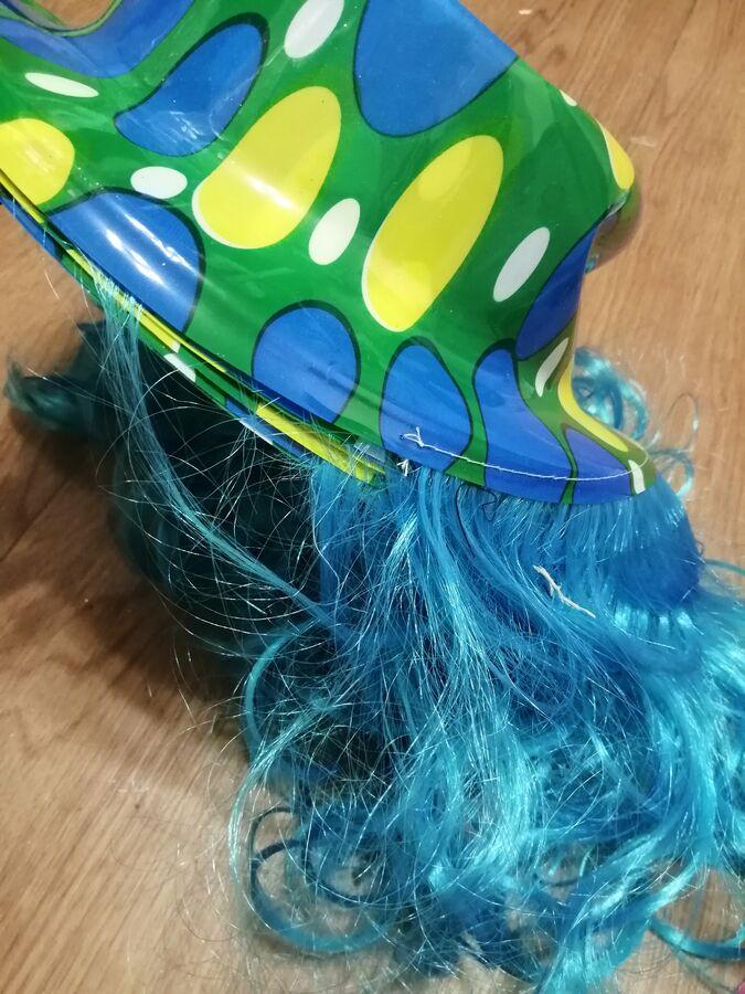 Шляпа с париком