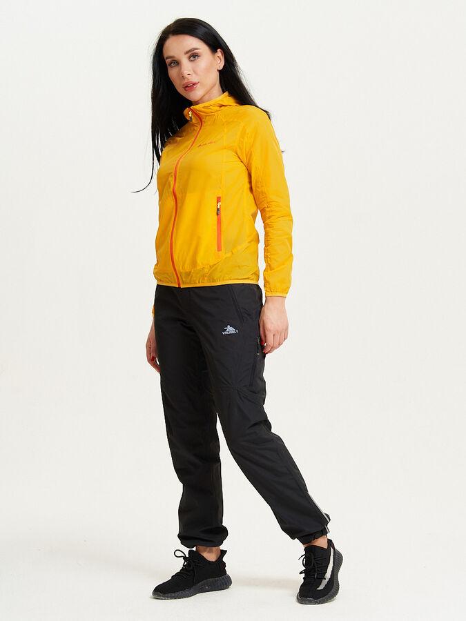Ветровка спортивная Valianly женская желтого цвета