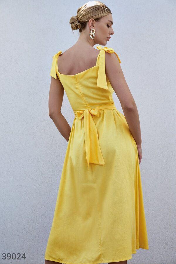 Желтый сарафан из льна