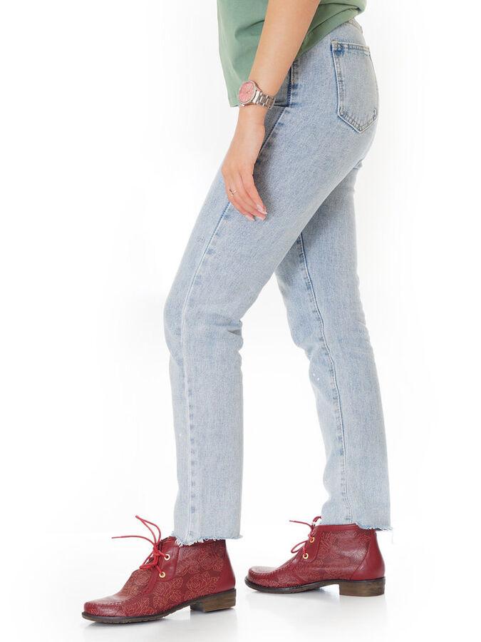 Ботинки Страна производитель: Китай Размер женской обуви x: 35 Полнота обуви: Тип «F» или «Fx» Вид обуви: Ботинки Сезон: Лето Материал верха: Натуральная кожа Материал подкладки: Без подкладки Материа