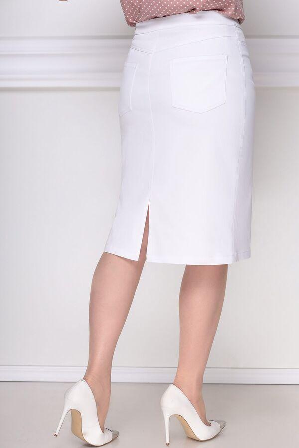 Юбка миди Рост: 164 см. Состав ткани: 64% хлопок, 32% полиэстер, 4% эластан Юбка прямого силуэта, слегка зауженная к низу. По переднему и заднему полотнищам средний шов, по заднему полотнищу юбки коке