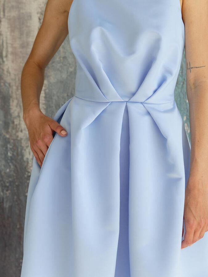 Платье пышное - юбка миди из атласа. Цвет небесный