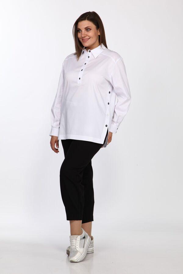 Блузка Рост: 164 см. Состав ткани: Хлопок 96%, эластан 4% Стильная женская блузка, выполнена из хлопковой ткани. Свободного силуэта. По переду, отрезные кокетки, планка ниже уровня груди с застежкой н